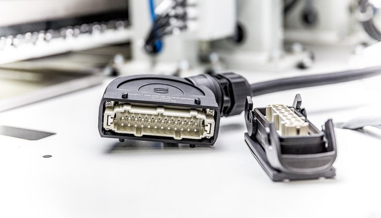 InnoTrans: HARTING solutions for weight reduction and fast